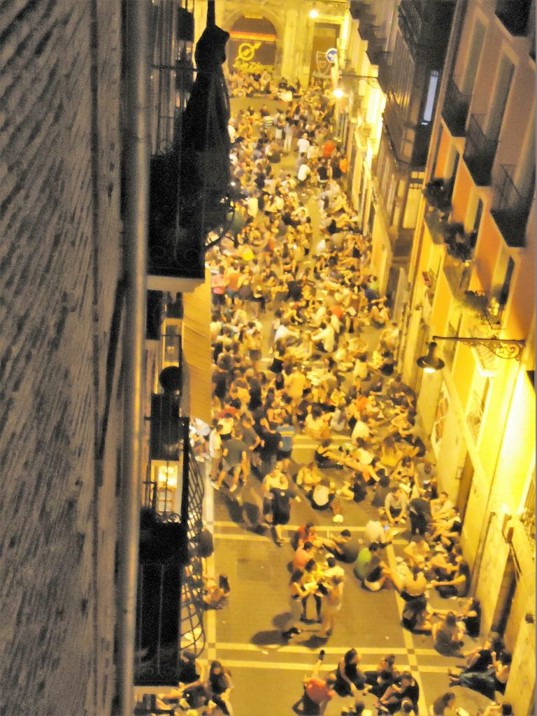 Navarreria: aire librean taberna/ bar al aire libre